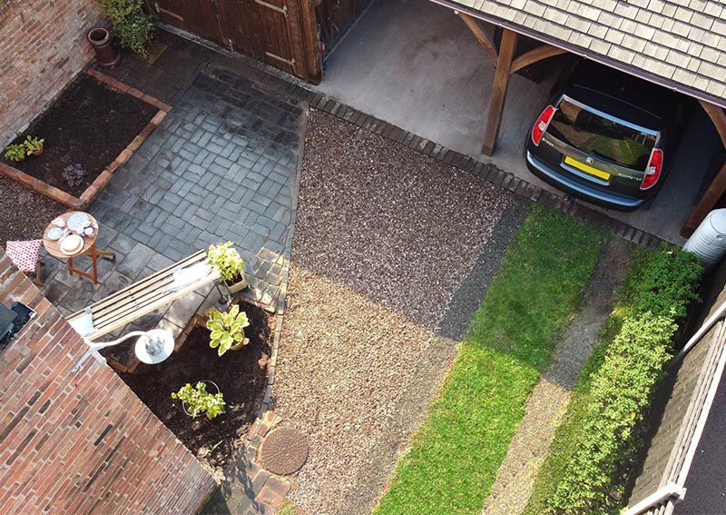 A gravel and grass driveway in Burton-upon-Trent