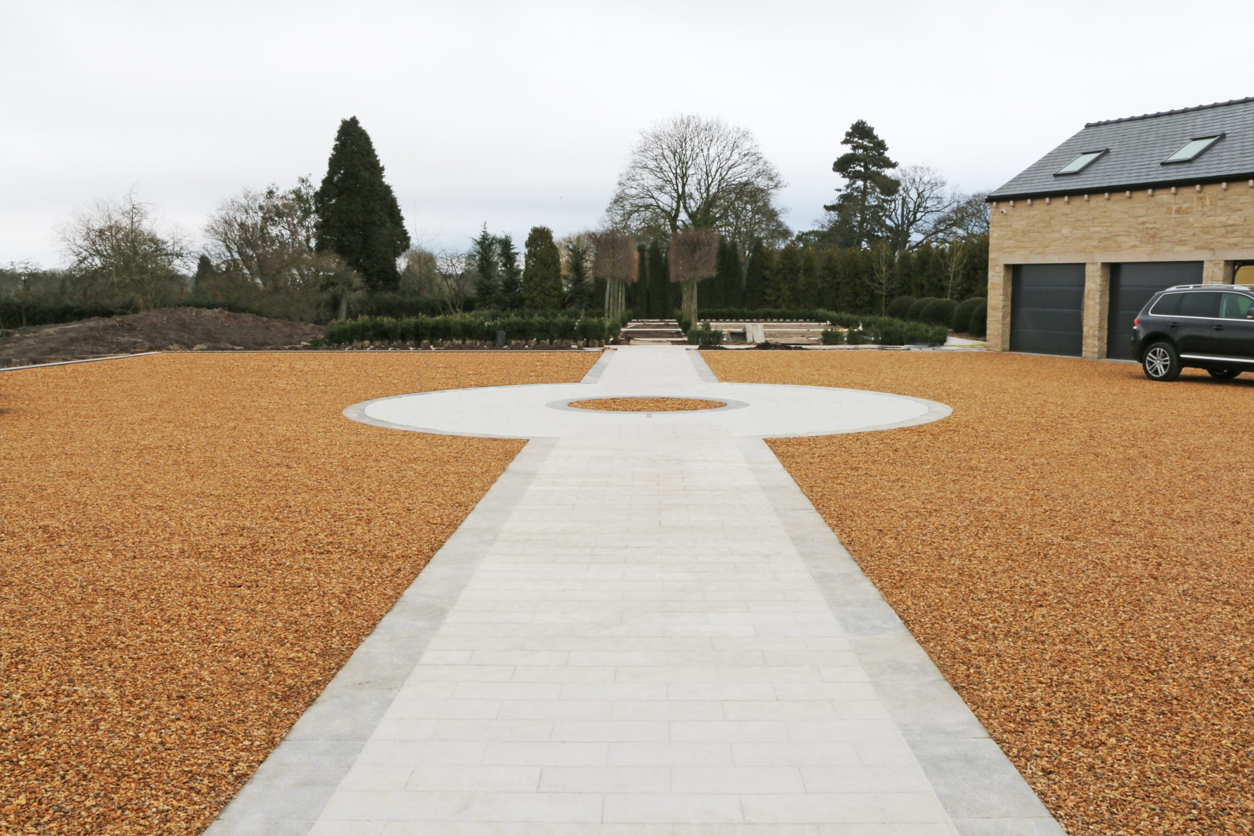 Gravelrings landscape system - gravel driveway example